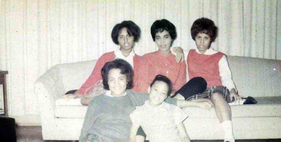Sophisticated Women. Grandma, mom and aunts. Brown Betties